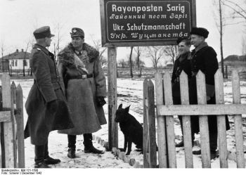 Nazi Orpo troops with local Ukrainian collaborationist Schutzmannschaft.