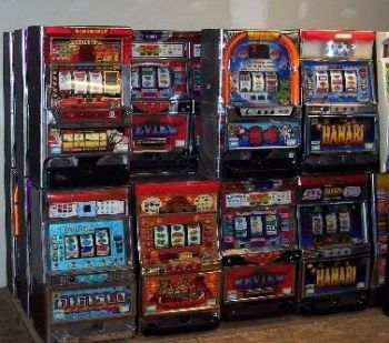 Illegal gambling machines seized in Oregon, 2-2-08