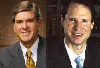 U.S. Senators Gordon Smith (R-OR) and Ron Wyden (D-OR)