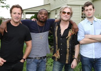 Daryl Hall with Chiddy Bang and Frank Stallone from the episode. Photo Credit:  Mark Maglio