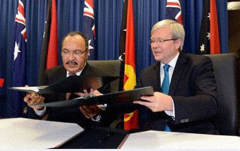 PNG Prime Minister Peter O'Neill and Australian Prime Minister Kevin Rudd