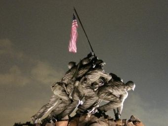 Marines raising flag at Iwo Jima